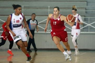 NBA που χρονολογείται γυναικείο NBA