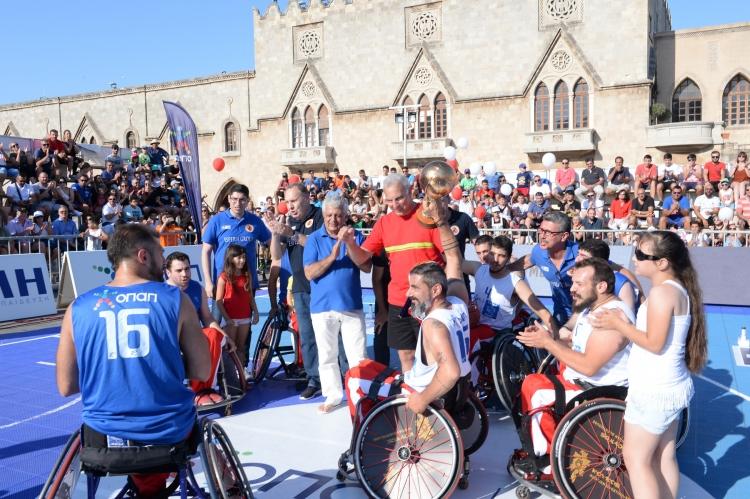 GalisBasketball 3on3: Ο Νίκος Γκάλης τίμησε τους αθλητές μπάσκετ με αμαξίδιο